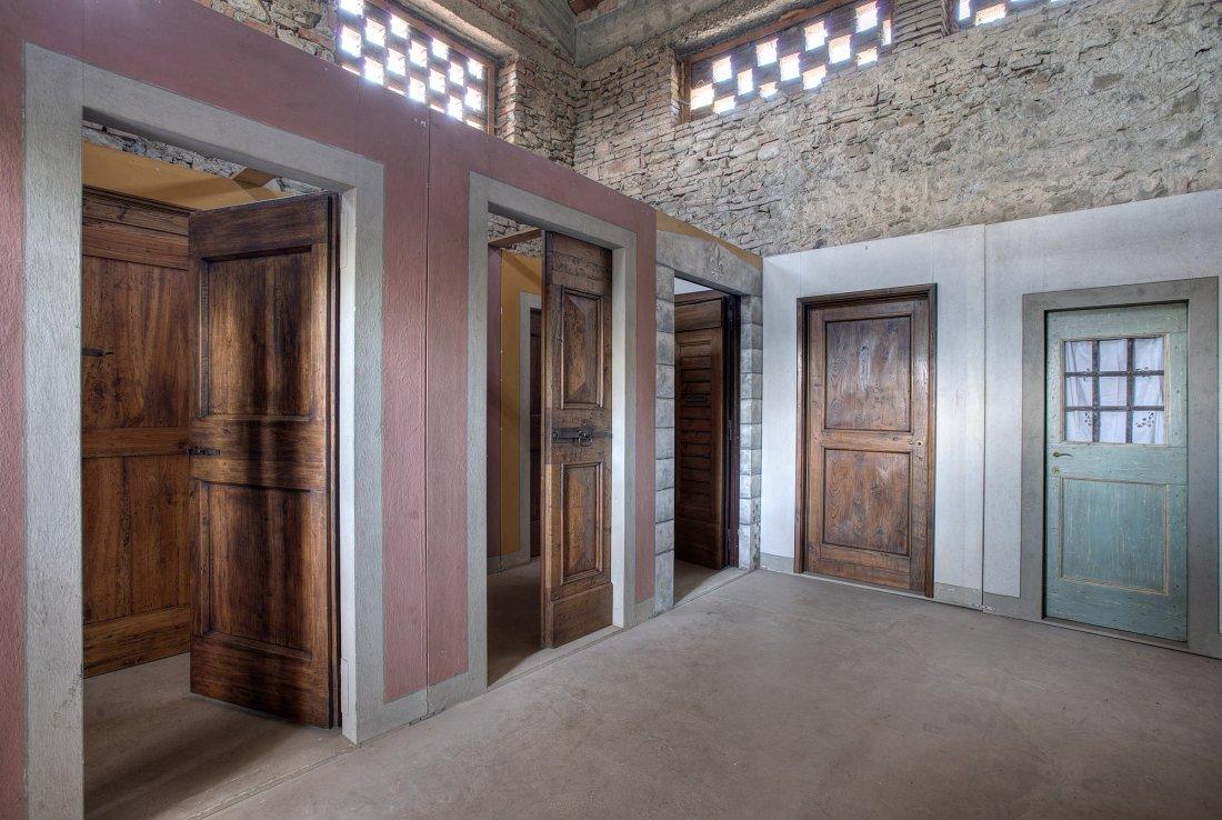 Foto Di Porte Antiche porte di legno antichizzate - walter galluzzi